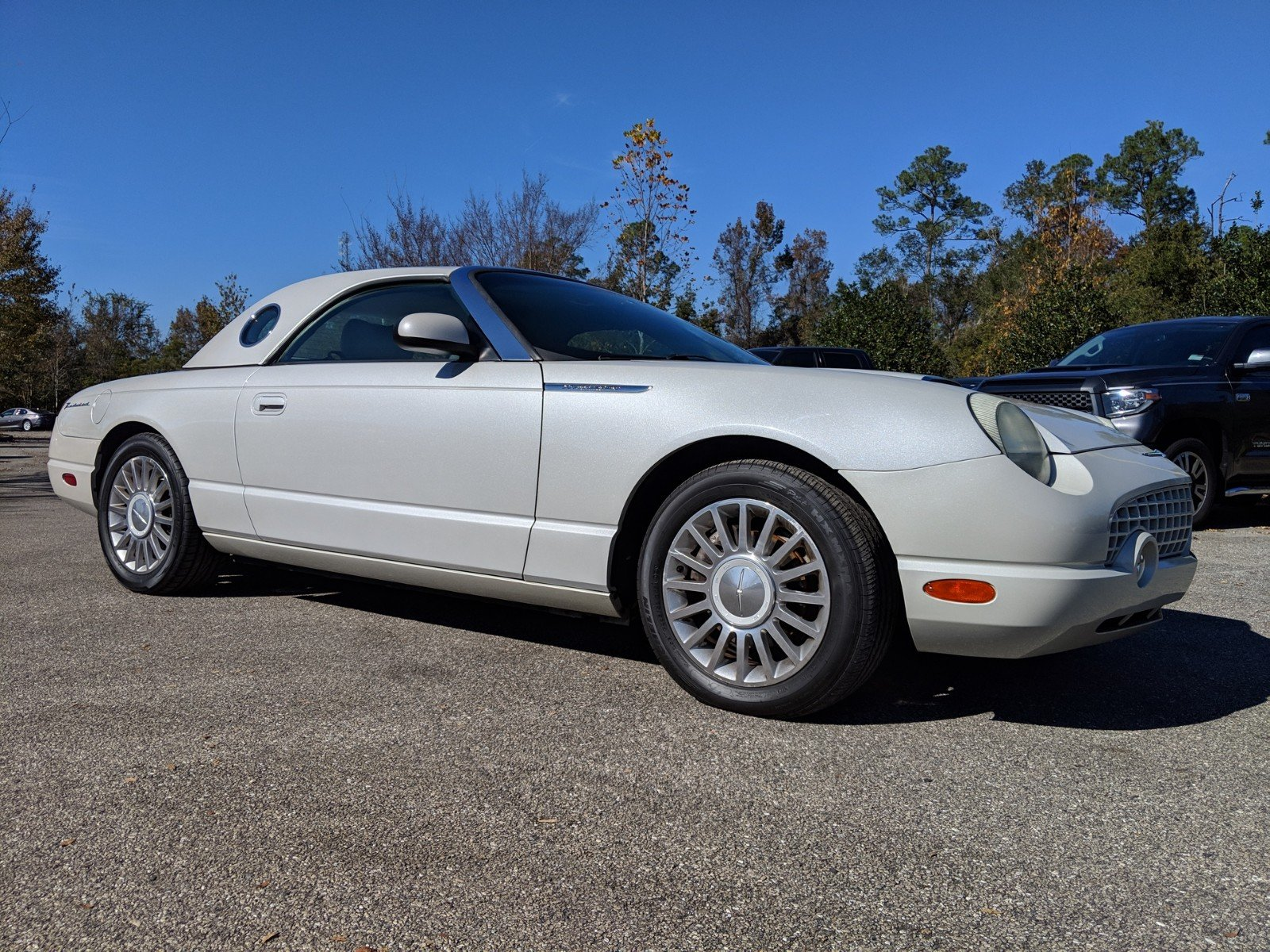 Pre owned 2005 ford thunderbird 50th anniversary